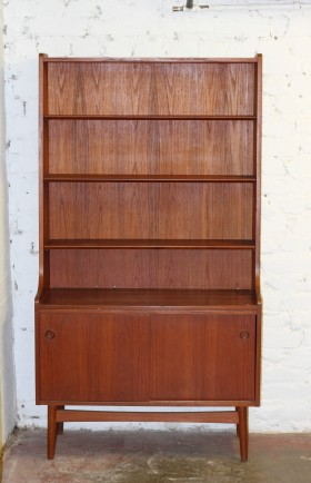 MYYTY! SOLD! / BOOKSHELF