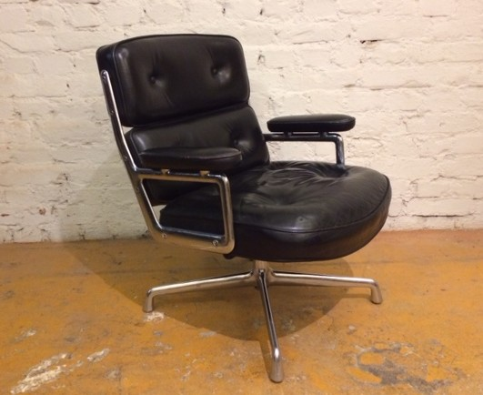 CHARLES MYYTY! SOLD! / EAMES / SOFT PAD / TUOLI / CHAIR