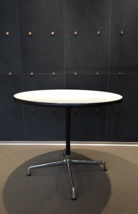 "MYYTY! SOLD!"" / VITRA / EAMES"