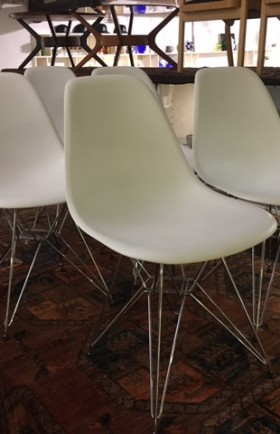 MYYTY! SOLD! / VITRA / EAMES / 6 KPL