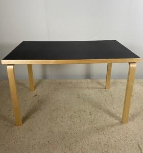 Artek pöytä / 81 B